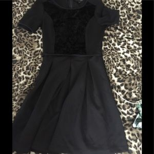 Elie Tahari size 4 black dress